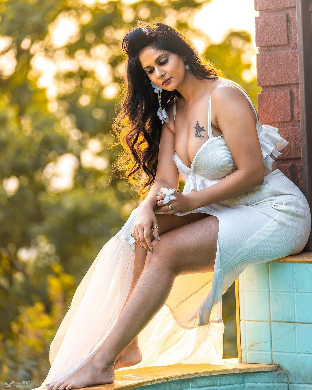 Bollywood Actress Hot Gallery Aabha Paul Very Bold And Hot Photos Photos Hd Images Pictures Stills First Look Posters Of Bollywood Actress Hot Gallery Aabha Paul Very Bold And Hot